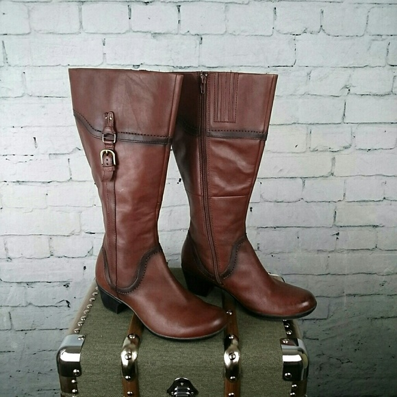 8741639b2c9f Clark s Shoes - GUC Clark s Ingalls Vicky Brown wide calf boots